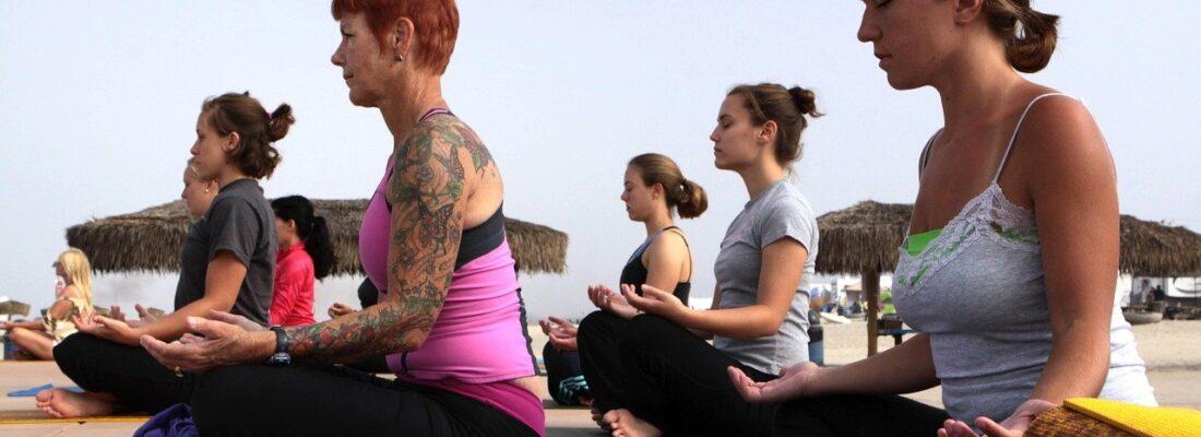 Women Yoga Classes Fitness Asana  - janeb13 / Pixabay